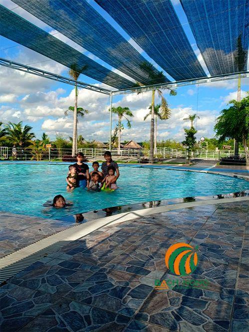 Sử dụng Lưới che nắng cho hồ bơi